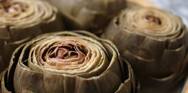 Steamed Artichokes with Garlic-Tarragon Mayonnaise
