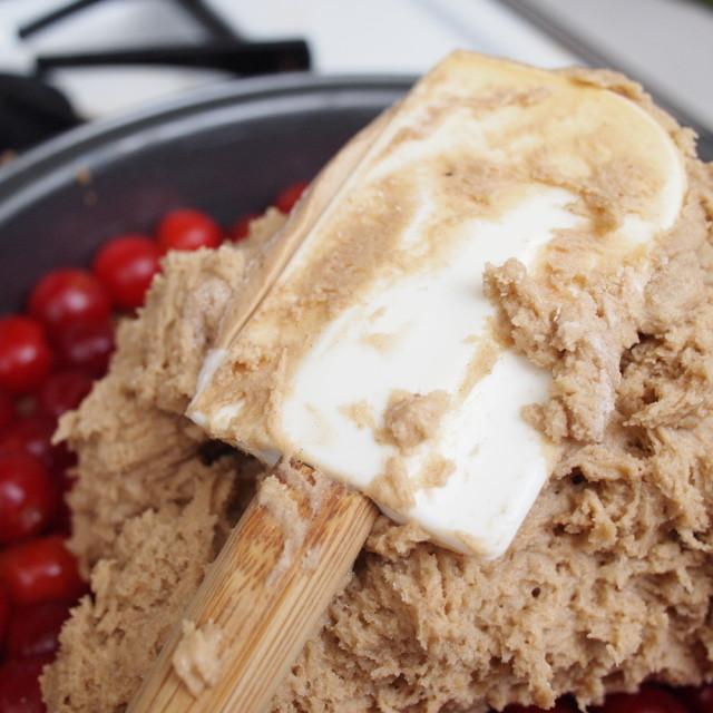 Vegan Apple Upside Down Cake Recipe